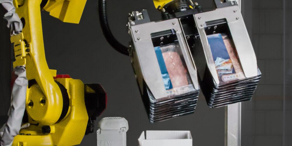Case packing robot gripper